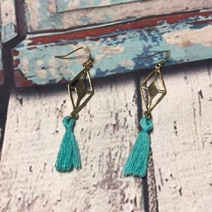 🍭nwot charming Charlie gold & blue tassel earring